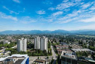 "Photo 1: 3101 5883 BARKER Avenue in Burnaby: Metrotown Condo for sale in ""ALDYNNE ON THE PARK"" (Burnaby South)  : MLS®# R2372659"