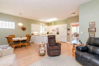 """Photo 11: 85 9025 216 Street in Langley: Walnut Grove Townhouse for sale in """"Coventry Woods"""" : MLS®# R2373404"""