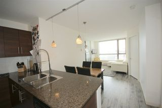 "Photo 3: 1208 813 AGNES Street in New Westminster: Downtown NW Condo for sale in ""NEWS"" : MLS®# R2391706"