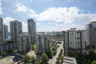 "Photo 15: 1208 813 AGNES Street in New Westminster: Downtown NW Condo for sale in ""NEWS"" : MLS®# R2391706"