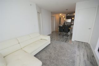 "Photo 4: 1208 813 AGNES Street in New Westminster: Downtown NW Condo for sale in ""NEWS"" : MLS®# R2391706"