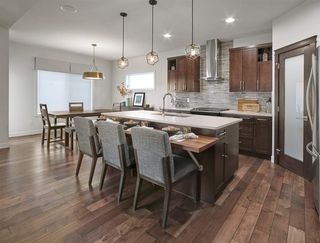 Photo 3: 1612 19 Street in Edmonton: Zone 30 House for sale : MLS®# E4191818