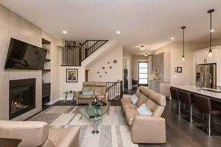 Photo 2: 7207 May Road in Edmonton: Zone 14 House Half Duplex for sale : MLS®# E4192684