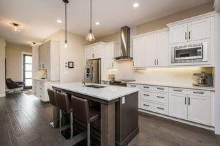 Photo 3: 7207 May Road in Edmonton: Zone 14 House Half Duplex for sale : MLS®# E4192684