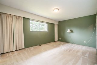 Photo 12: 24633 56 Avenue in Langley: Salmon River House for sale : MLS®# R2449691