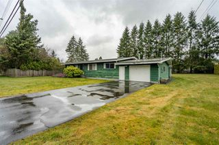 Photo 1: 24633 56 Avenue in Langley: Salmon River House for sale : MLS®# R2449691