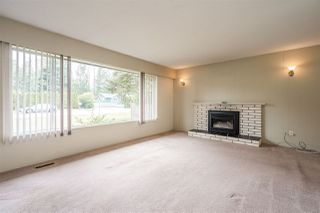 Photo 3: 24633 56 Avenue in Langley: Salmon River House for sale : MLS®# R2449691