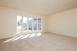 Photo 5: 318 Grand Meadow Crescent in Edmonton: Zone 29 House for sale : MLS®# E4194833