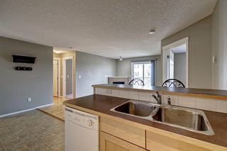 Photo 10: 2311 43 COUNTRY VILLAGE Lane NE in Calgary: Country Hills Village Apartment for sale : MLS®# C4300426