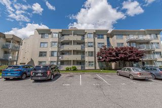 "Main Photo: 136 32830 GEORGE FERGUSON Way in Abbotsford: Central Abbotsford Condo for sale in ""Nelson Mews"" : MLS®# R2466122"
