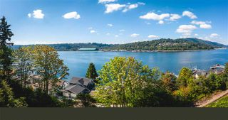 Photo 1: 940 IOCO Road in Port Moody: Barber Street House for sale : MLS®# R2480912