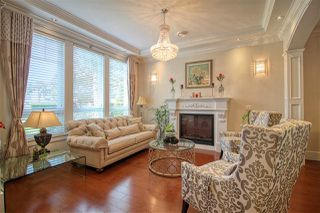 Photo 2: 8060 MIRABEL Court in Richmond: Woodwards House for sale : MLS®# R2486681