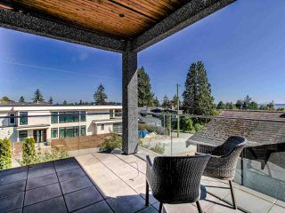 Photo 22: 15948 BUENA VISTA Avenue: White Rock House for sale (South Surrey White Rock)  : MLS®# R2487811