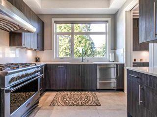 Photo 12: 15948 BUENA VISTA Avenue: White Rock House for sale (South Surrey White Rock)  : MLS®# R2487811