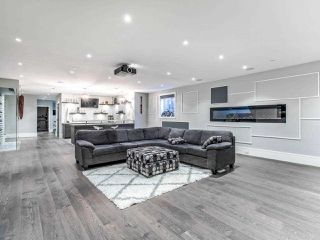 Photo 32: 15948 BUENA VISTA Avenue: White Rock House for sale (South Surrey White Rock)  : MLS®# R2487811