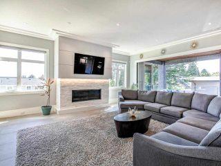 Photo 15: 15948 BUENA VISTA Avenue: White Rock House for sale (South Surrey White Rock)  : MLS®# R2487811