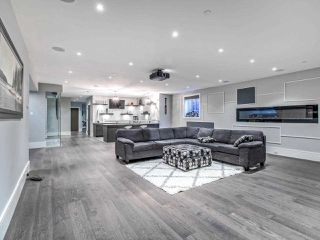 Photo 33: 15948 BUENA VISTA Avenue: White Rock House for sale (South Surrey White Rock)  : MLS®# R2487811