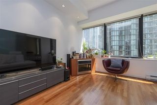 Photo 3: 808 1333 W GEORGIA Street in Vancouver: Coal Harbour Condo for sale (Vancouver West)  : MLS®# R2502064