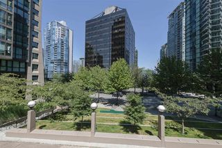 Main Photo: 808 1333 W GEORGIA Street in Vancouver: Coal Harbour Condo for sale (Vancouver West)  : MLS®# R2502064