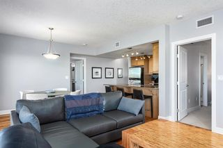 Photo 6: 1803 910 5 Avenue SW in Calgary: Downtown Commercial Core Apartment for sale : MLS®# A1038333