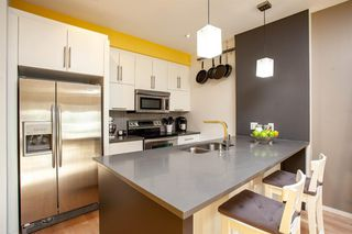 Photo 4: 414 MEREDITH Road NE in Calgary: Crescent Heights Apartment for sale : MLS®# A1056974
