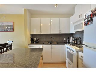 "Photo 2: 1505 155 W 1 Street in North Vancouver: Lower Lonsdale Condo for sale in ""TIME"" : MLS®# V891188"
