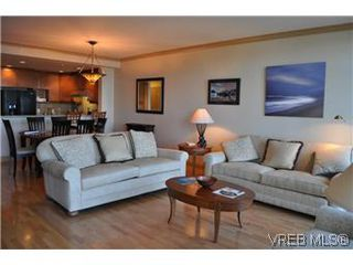 Photo 10: 304 21 Dallas Rd in VICTORIA: Vi James Bay Condo for sale (Victoria)  : MLS®# 584967