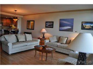Photo 3: 304 21 Dallas Rd in VICTORIA: Vi James Bay Condo Apartment for sale (Victoria)  : MLS®# 584967