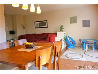 Photo 7: 6 1070 Chamberlain St in VICTORIA: Vi Fairfield East Row/Townhouse for sale (Victoria)  : MLS®# 585831