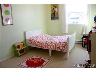 Photo 14: 6 1070 Chamberlain St in VICTORIA: Vi Fairfield East Row/Townhouse for sale (Victoria)  : MLS®# 585831
