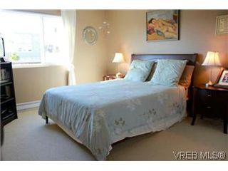 Photo 13: 6 1070 Chamberlain St in VICTORIA: Vi Fairfield East Row/Townhouse for sale (Victoria)  : MLS®# 585831