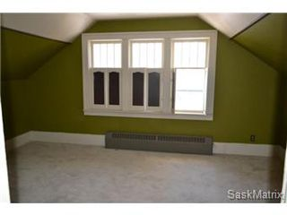 Photo 11: 211 Clarence Avenue South in Saskatoon: Varsity View Single Family Dwelling for sale (Saskatoon Area 02)  : MLS®# 419269