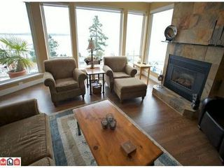 Photo 4: 14884 HARDIE AV in White Rock: House for sale : MLS®# F1105489