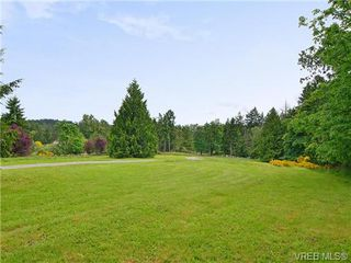 Photo 17: 628 BROOKLEIGH Road in VICTORIA: SW Elk Lake Residential for sale (Saanich West)  : MLS®# 324364