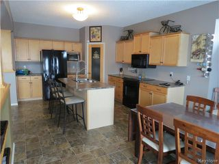 Photo 3: 18 Harding Crescent in WINNIPEG: St Vital Residential for sale (South East Winnipeg)  : MLS®# 1403804