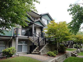 """Main Photo: 220 7333 16TH Avenue in Burnaby: Edmonds BE Townhouse for sale in """"SOUTH GATE"""" (Burnaby East)  : MLS®# V1070074"""