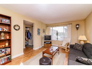 "Photo 3: 6929 135TH Street in Surrey: West Newton House 1/2 Duplex for sale in ""Bentley"" : MLS®# F1432767"