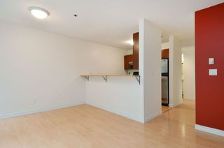 "Photo 4: 101 888 W 13TH Avenue in Vancouver: Fairview VW Condo for sale in ""THE CASABLANCA"" (Vancouver West)  : MLS®# R2000477"