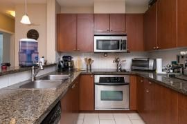 """Photo 4: 502 15 E ROYAL Avenue in New Westminster: Fraserview NW Condo for sale in """"Victoria Hill"""" : MLS®# R2051063"""