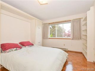 Photo 3: 10 1950 Cultra Ave in SAANICHTON: CS Saanichton Row/Townhouse for sale (Central Saanich)  : MLS®# 731836