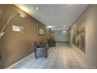 Photo 3: 207 3700 Carey Rd in VICTORIA: SW Gateway Condo for sale (Saanich West)  : MLS®# 733066