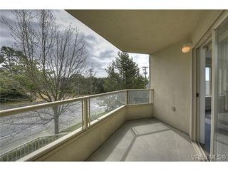 Photo 12: 207 3700 Carey Rd in VICTORIA: SW Gateway Condo for sale (Saanich West)  : MLS®# 733066