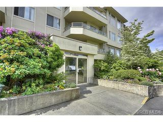 Photo 2: 207 3700 Carey Rd in VICTORIA: SW Gateway Condo for sale (Saanich West)  : MLS®# 733066