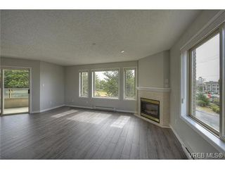 Photo 7: 207 3700 Carey Rd in VICTORIA: SW Gateway Condo for sale (Saanich West)  : MLS®# 733066