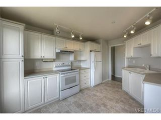 Photo 10: 207 3700 Carey Rd in VICTORIA: SW Gateway Condo for sale (Saanich West)  : MLS®# 733066
