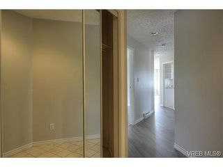 Photo 4: 207 3700 Carey Rd in VICTORIA: SW Gateway Condo for sale (Saanich West)  : MLS®# 733066
