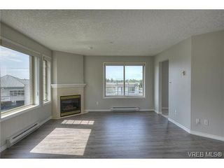 Photo 6: 207 3700 Carey Rd in VICTORIA: SW Gateway Condo for sale (Saanich West)  : MLS®# 733066