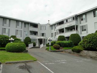 """Main Photo: 201 32950 AMICUS Place in Abbotsford: Central Abbotsford Condo for sale in """"The Haven"""" : MLS®# R2079239"""