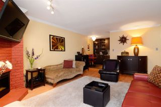 """Photo 1: 307 1610 CHESTERFIELD Avenue in North Vancouver: Central Lonsdale Condo for sale in """"Canterbury House"""" : MLS®# R2096550"""