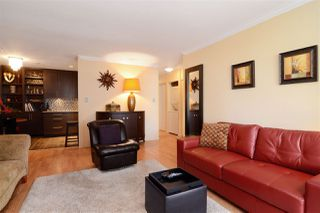 """Photo 2: 307 1610 CHESTERFIELD Avenue in North Vancouver: Central Lonsdale Condo for sale in """"Canterbury House"""" : MLS®# R2096550"""